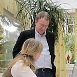 Hans-Georg Huber mit einer Teilnehmerin in der Coachingausbildung